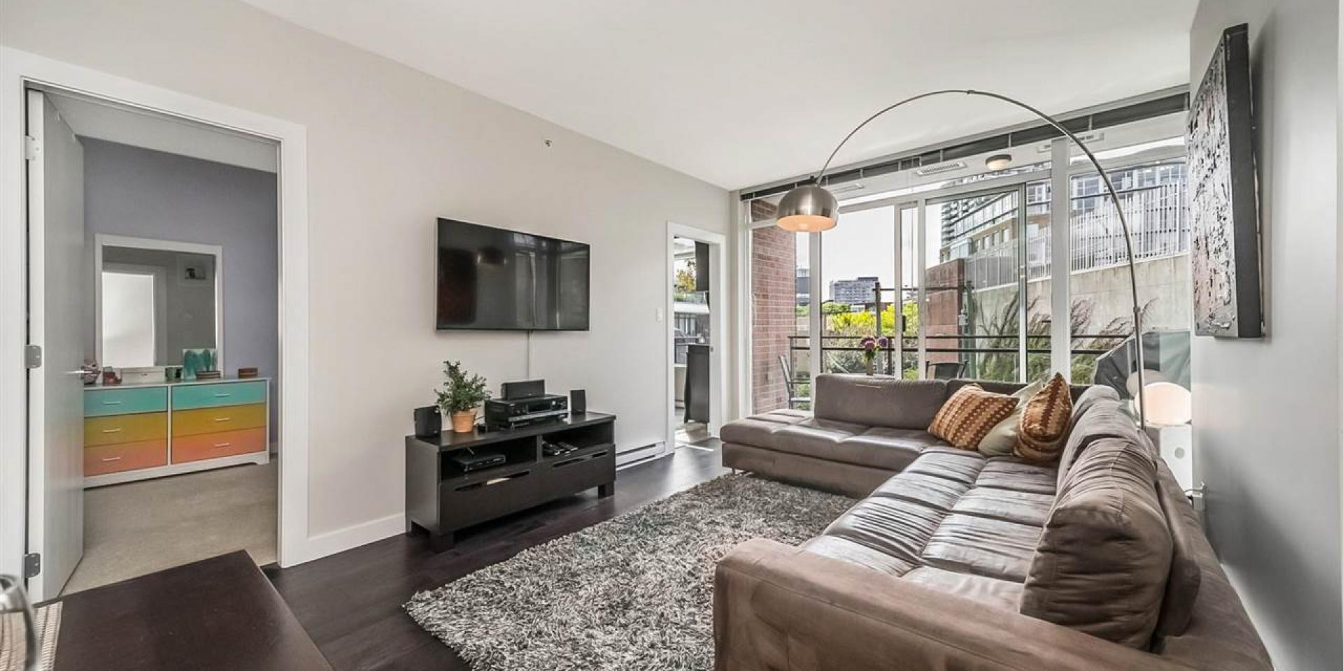404 - 2321 Scotia Street, Mount Pleasant VE, Vancouver East